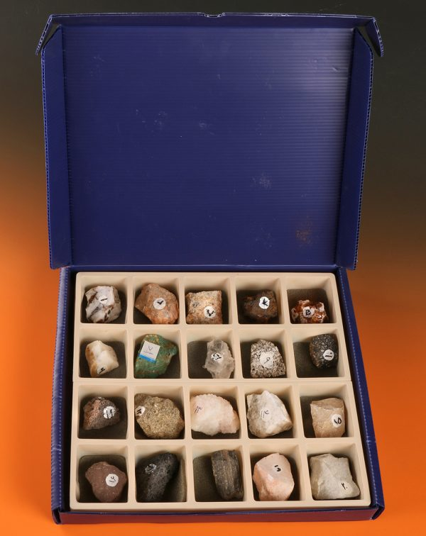 مجموعه سنگها و کانی ها دوره اول متوسطه |
